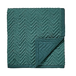 Bedeck 1951 - Green cotton 'Mika' quilted throw