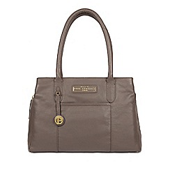 Pure Luxuries London Grey Goldbourne Leather Handbag