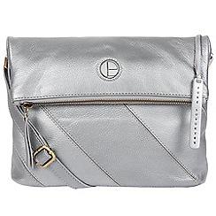 Pure Luxuries London - Metallic silver 'Korin' leather cross-body bag