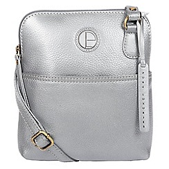 30cc426084ad Pure Luxuries London - Metallic silver  Orsola  fine leather cross-body bag
