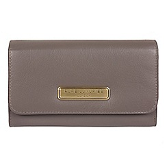Pure Luxuries London - Taupe grey 'Pearl' handcrafted leather RFID purse