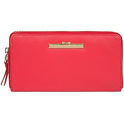 Pure Luxuries London - Tomato 'Robin' zip round leather purse