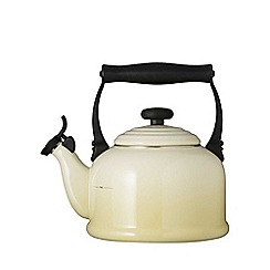 Le Creuset - Almond traditional kettle
