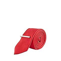 Burton - Red Texture Tie with Clip