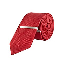 Burton - Slim red textured tie & clip