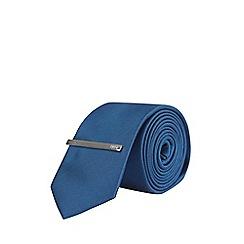 Burton - Navy tie and clip