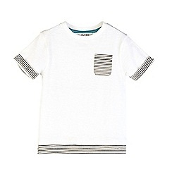 Outfit Kids - Boys' white contrast hem t-shirt