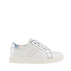 Outfit Kids - Girls' white patent platform shoes