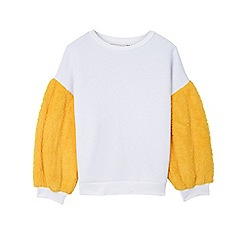 Outfit Kids - Girls' white sweat with faux-fur sleeves