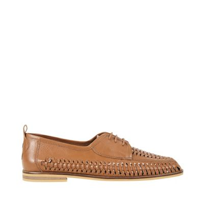 Burton - Tan woven loafers Fashionable and eye-catching shoes