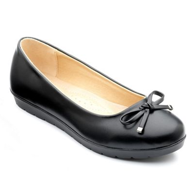 Freestep - Black matt 'elizabeth' ballerina shoes