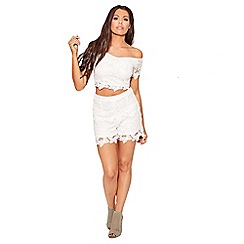 Sistaglam Love Jessica - White 'Flutter' crochet lace shorts with scallop detail