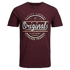 Jack & Jones - Burgundy 'Vinnie' t-shirt