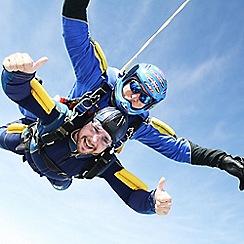 Buyagift - Beginner's Tandem Skydive in Devon Gift Experience