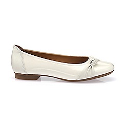 Hotter - Ivory 'Sylvie' ballet pump shoes