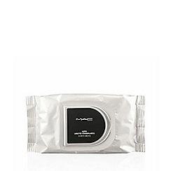 MAC Cosmetics - 45 makeup remover wipes