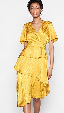Yas Gold Fl Satin Kimberley V Neck Short Sleeve High Low Dress
