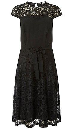 8ebcfc5726899 Dorothy Perkins - Billie   blossom tall black lace skater dress