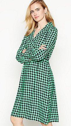 Vero Moda - Green Dot Print  Sarah  Knee Length Wrap Dress f35d1adb7e06