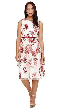 8a77155adcb Sleeveless - cream - Fit   flare dresses - Dresses - Sale