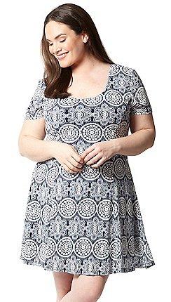 7ea99bcca01 Plus-size - Fit   flare dresses - Izabel London Curve - Dresses ...