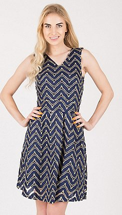487510583ae2 Tenki - Blue sleeveless shiny patterned skater dress
