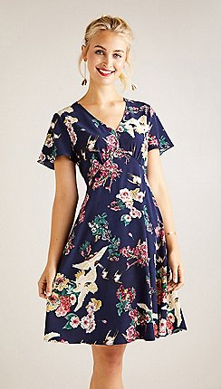 5ebedfa151 Yumi - Navy floral print dress