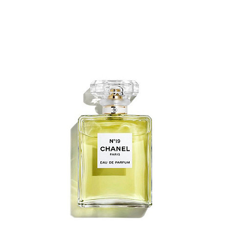 CHANEL - N°19 Eau de Parfum Spray 50ml